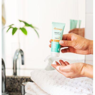 Hidratante-facial-para-peles-oleosas-e-sensiveis-Secatriz-prebio-