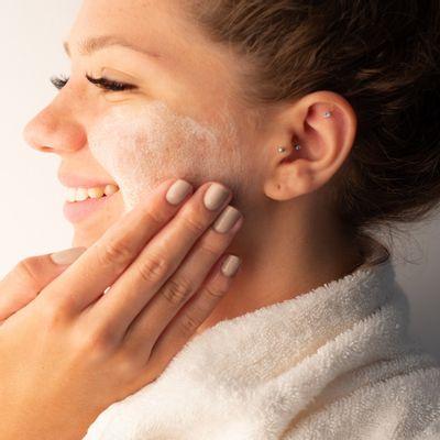 Hidratante-facial-para-peles-oleosas-e-sensiveis-Secatriz-prebio---